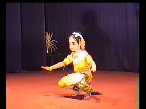 4 years kid's Bharatanatyam (Manasa.L) - YouTube