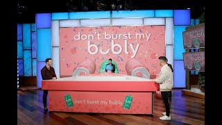 The Jonas Brothers Play 'don't burst my bubly'
