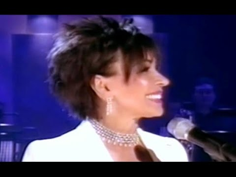 Shirley Bassey - Thank-You For The Years / Diamonds Are Forever (2003 Live)