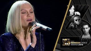 Video Jessie J - Flashlight on NET 3.0 download MP3, 3GP, MP4, WEBM, AVI, FLV Juli 2018