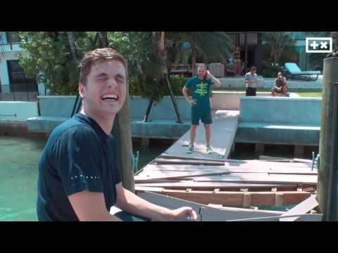 Crashing dock - David Guetta - Martin Garrix view