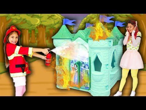BIANKINHA Finge brincar de Bombeiro  ♥ Kids Pretend Play Firefighter colored Playhouse