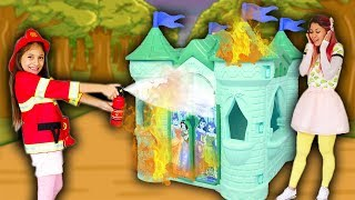 BIANKINHA Finge brincar de Bombeiro  ♥ Kids Pretend Play Firefighter colored Playhouse