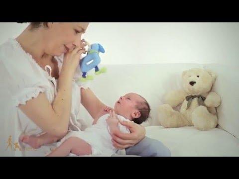Kalendarz rozwoju niemowlaka - miesiąc 2