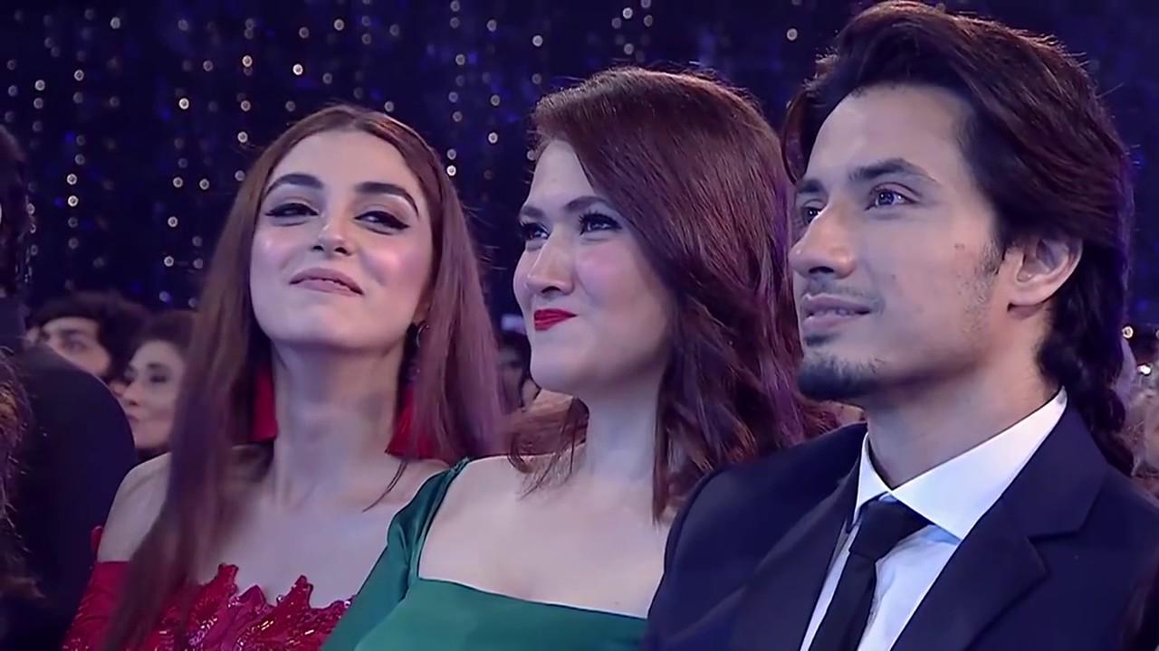 Atif Aslam Perfectly Mimics Ali Zafar, Umair Jaswal and Sajjad Ali at LUX STYLE Awards 2017