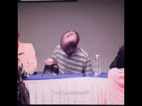 161017 [BTS Sinchon Fansign] Jimin what are you doing?