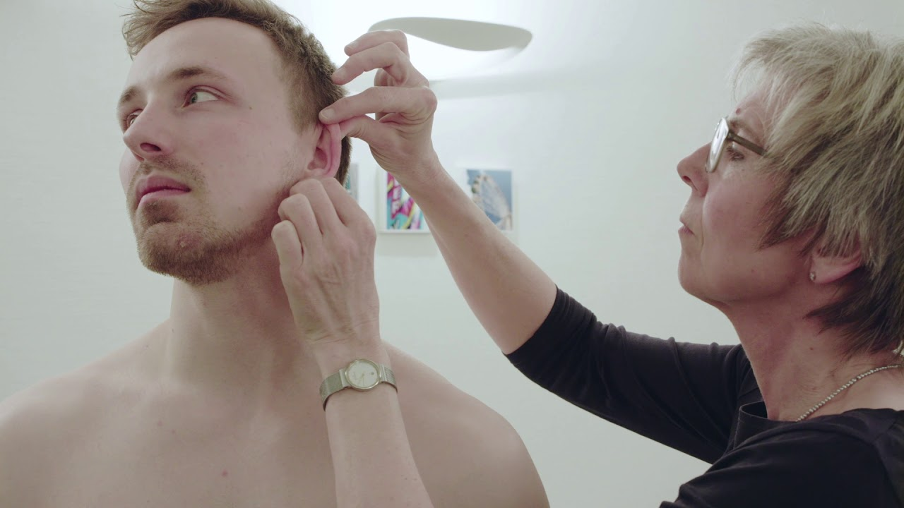 Nackt hautarzt untersuchung Hautkrebsscreening