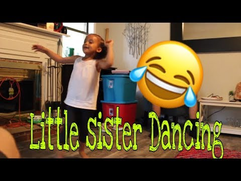 HILARIOUS LITTLE SISTER DANCES TO BRUNO MARS