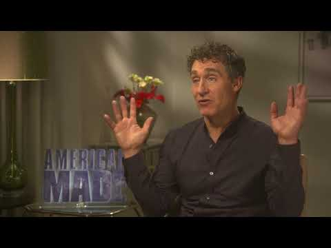 Director Doug Liman Talks Tom Cruise & American Made - Explains Plane Crash While Filming