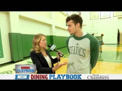 Dining Playbook: R.J. Hunter