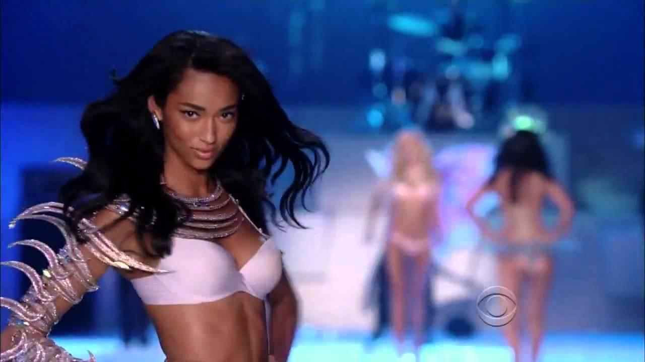 b271b31a06 The Victorias Secret Fashion Show 2011 Maroon 5 Aquatic Angels 720p copia