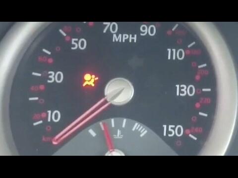Resultado de imagem para luz de airbag carro