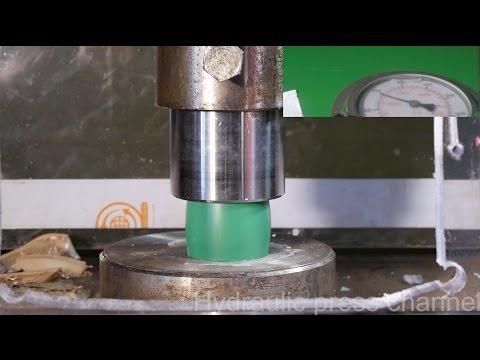 Crushing different plastics with hydraulic press