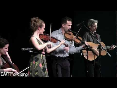 """A Couple of Scottish Strathspeys"", Hanneke Cassel Band with David Knight"