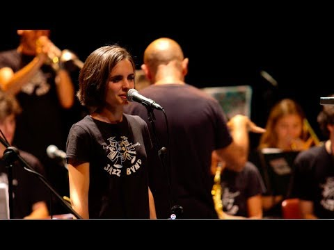 """social call "" ANDREA MOTIS Sant Andreu Jazz Band ( joan chamorro dirección) & Luigi Grasso"