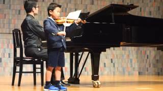 バイオリン始めて1年半、初舞台です。