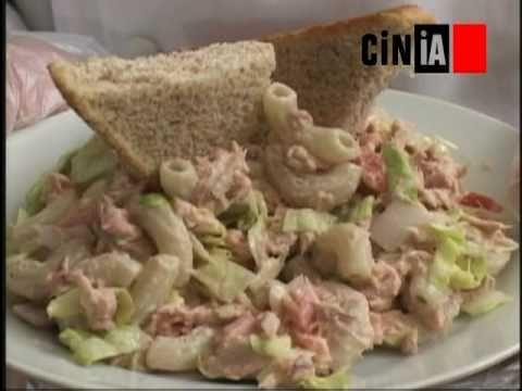 Gastronom a cinia ensalada de pasta con at n youtube - Ensalada de arroz con atun ...