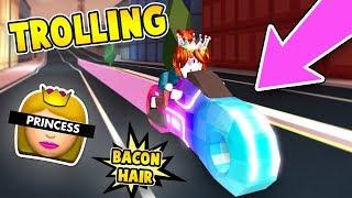 TROLLING AS BACON HAIR PRINCESS 👑 mit ROYALE VOLT BIKE in ROBLOX JAILBREAK!!!