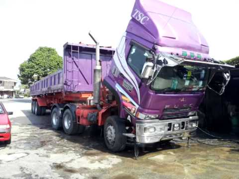 Malaysian Fuso Super Great truck by DGMS