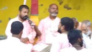Sripad B.V Sridhar Maharaj singing Jay Radha Madhava.