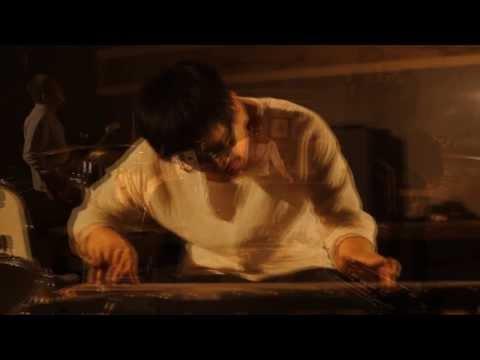Zhaoze -The World Is A Blue Stone MV / 沼泽乐队-世界是块忧伤的石头 MV