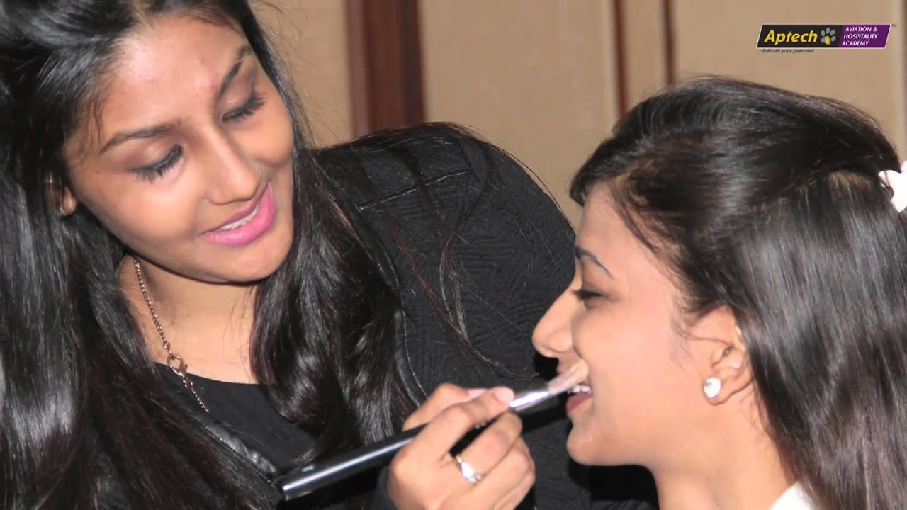 Aptech students get makeovers from Lakme experts