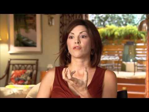 AMY PIETZ Talks Nine Lives Of Chloe King!