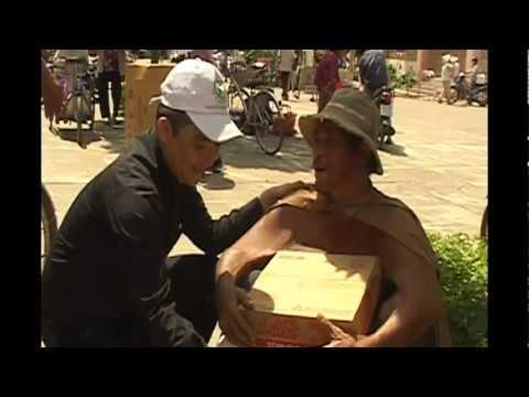 Phát Quà Tết Cho Người Nghèo Tại LAGI - Bình Thuận
