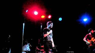 Polica - Lay Your Cards Out LIVE @ Schubas, Chicago