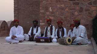 Rajasthani folk villager singer_singing kesariya balam live performances at jodhpur