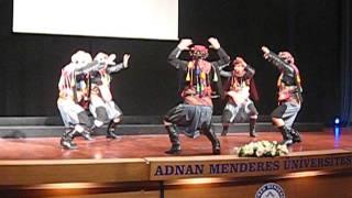 ADÜ 2010-2011 Tıp Fakültesi Mezuniyet Töreni Zeybek Gösterisi - Kerimoğlu