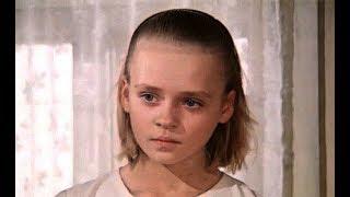 Помните девочку из фильма «Мужики!..»? Вот, кто она сейчас