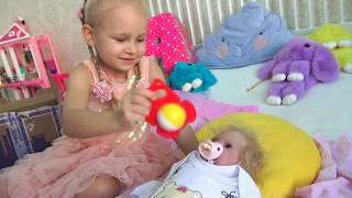 Алиса показывает своих кукол РЕБОРНОВ !!! Открывает посылку с сюрпризами  !
