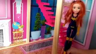 BATGIRL play with Elsa and Play Doh in her Doll house