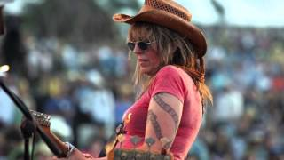 Watch Lucinda Williams Circles And Xs video