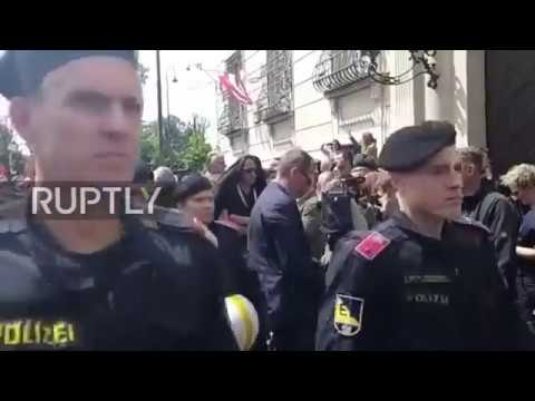 Austria: Protesters rally outside Federal Chancellery in wake of Strache video scandal