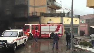 Incendio a Tarquinia: bruciano tre auto
