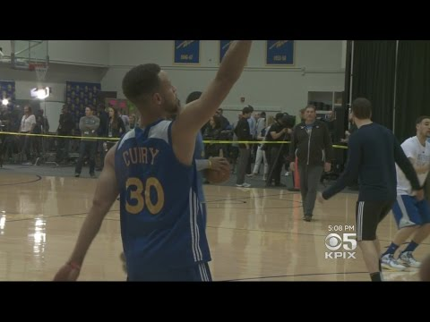 Curry Says Warriors Hope To Take Advantage Of Home Crowd's Energy