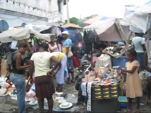 Haiti street scene with commentary in Haitian Creole