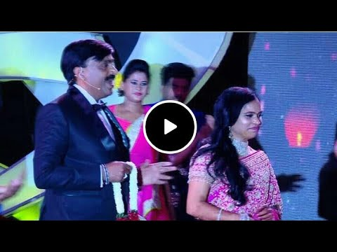 Gali Janardhan Reddy Is Dancing With A Singing A Song   ಗಾಲಿ ಜನಾರ್ಧನ್ ರೆಡ್ಡಿ ಡ್ಯಾನ್ಸ್ ಮಾಡಿದರು