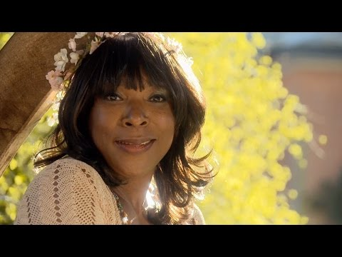 'Shall I Compare Thee To A Summer's Day?' - Shakespeare's Sonnet 18 | Doctors - BBC