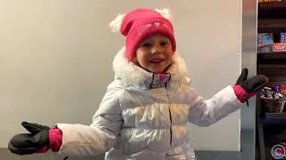 Настя, и её зимние развлечения с друзьями