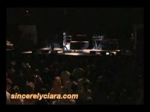 Ciara-Goodies and Cant leave em alone Live