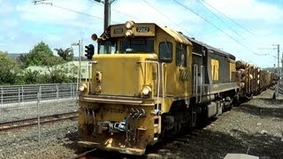 dft class in bumble bee livery locomotive 7282 on train 125