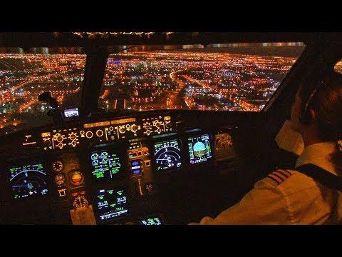 Emirates Boeing 557 Night Stunning Landing cockpit View