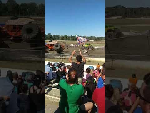 Monster trucks 2019 Bridgeport speedway nj