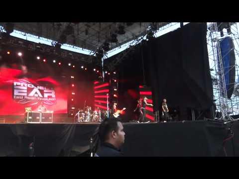 Pop Shuvit/Project E.A.R- Marabahaya(Mtv World Stage live in Malaysia 2011)