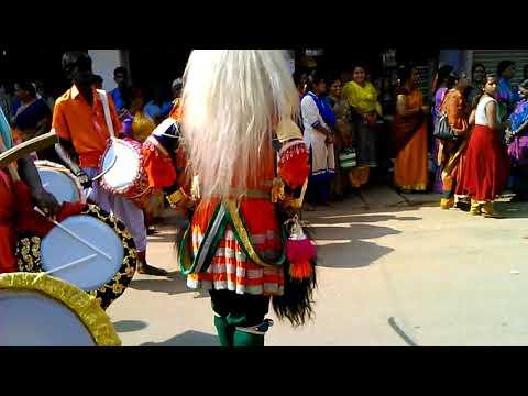 Karadi Vadya and Veeragase dance