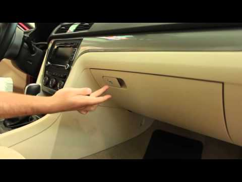 Valet Key and Trunk Lock Button - Volkswagen