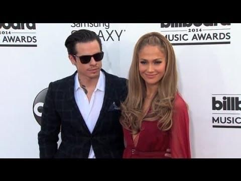 Jennifer Lopez and Casper Smart Split | Splash News TV | Splash News TV